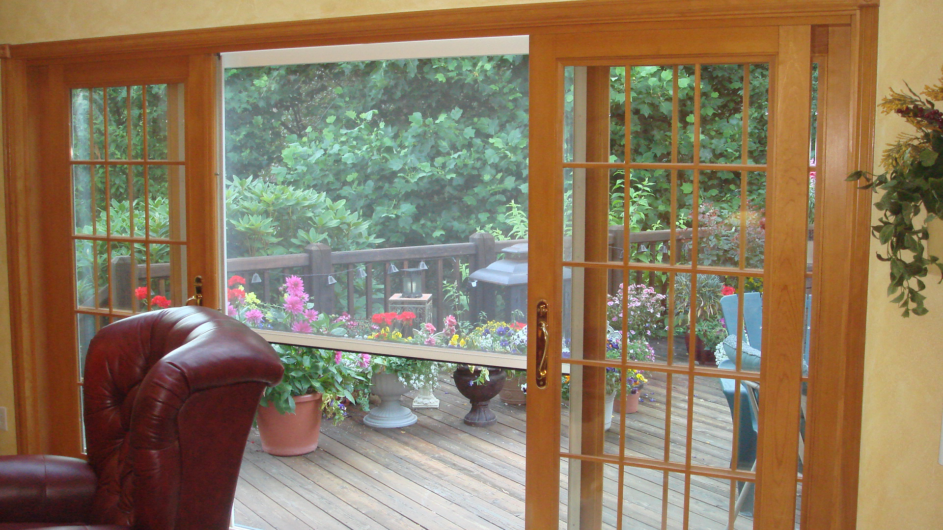 Olympic genius retractable screen systems for Genius retractable screen